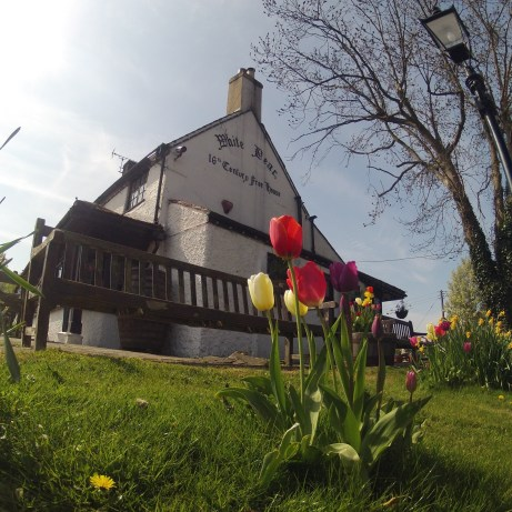 White Bear Pub Warlingham - Discover the British countryside - Fabulous Outdoors