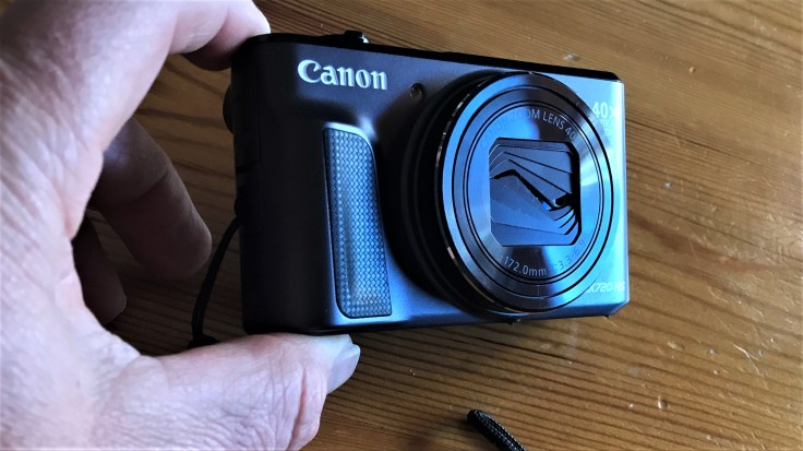 How to fix Compact-Cameras-Lens-Cover-DIY-Fabulous-Outdoor-Photography